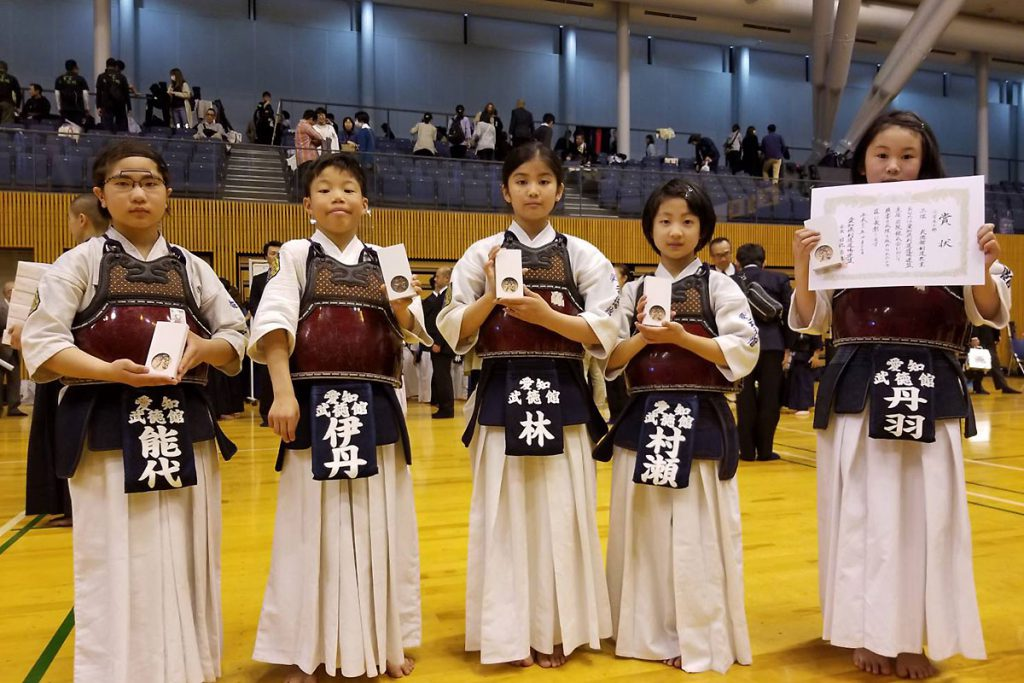 若鯱錬成会 小学生の部 第三位 武徳館剣道教室