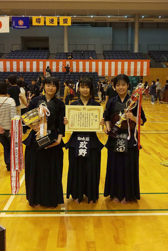 中学生女子の部 優勝 福岡如水館